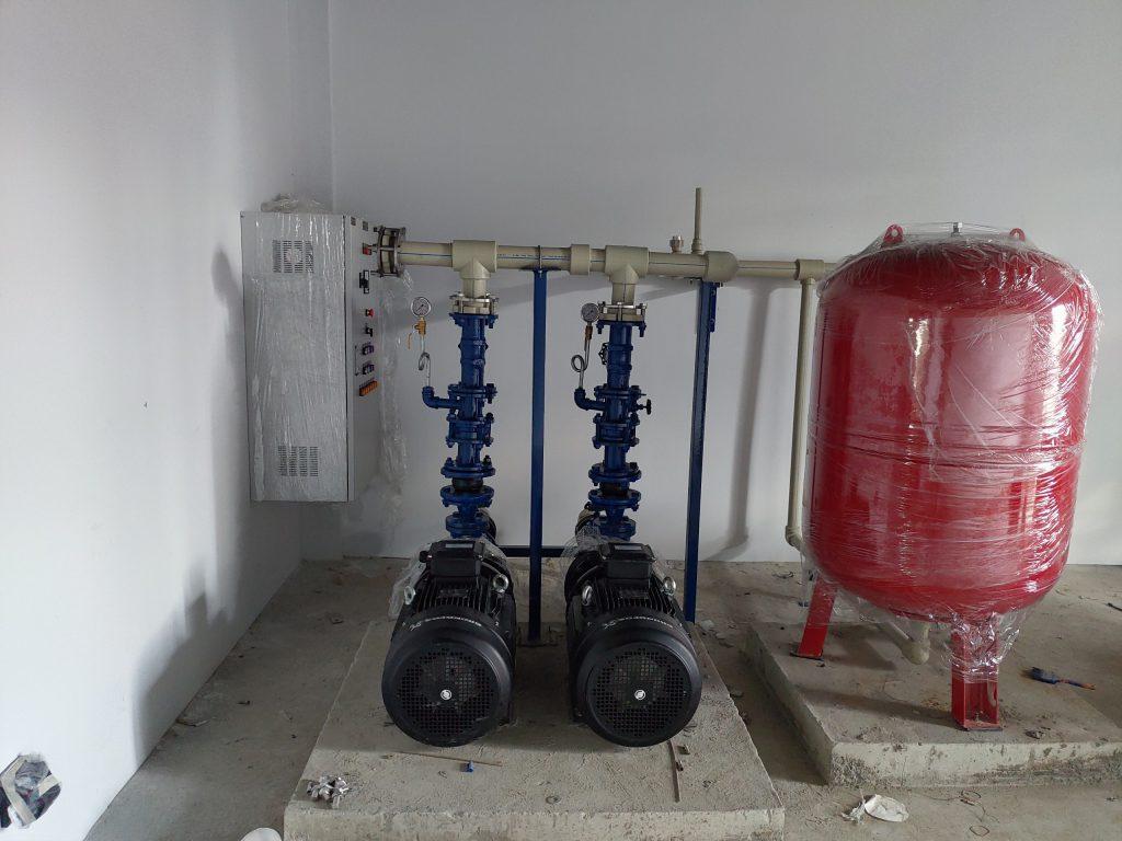 Máy bơm nước công nghiệp grundfos