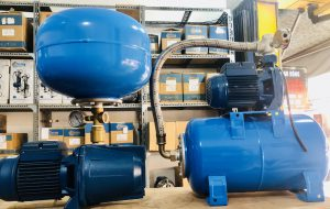 Hình ảnh máy bơm tăng áp cho nước nóng và bình tích áp