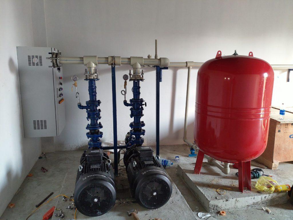 Hệ bơm tăng áp cho nước nóng và bình tích áp varem - Hệ bơm Grundfos